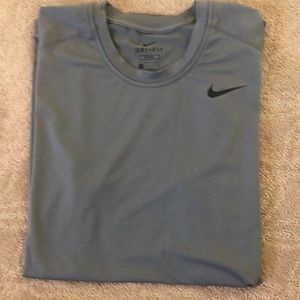 Men's Nike Gray Sleeveless Dry-Fit Athletic Tee